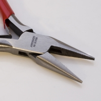 Extra Duty Pliers, Chain Nose, Serrated, 5 Inches||PLR-300.22